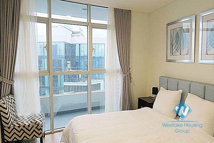 A gorgeous 3 bedroom apartment with stunning view of the West Lake for rent in Watermark