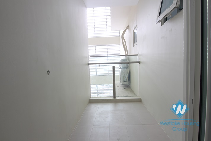 A brandnew 3 bedroom apartment for rent in L Tower, Ciputra