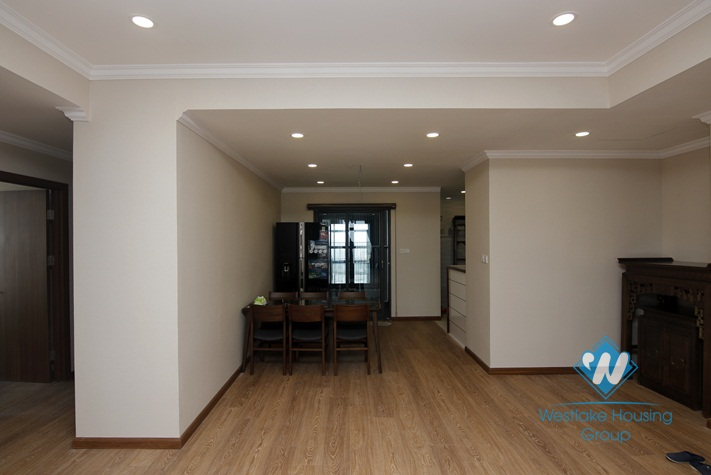 A beautiful and spacious apartment for rent in Cau giay, Ha noi