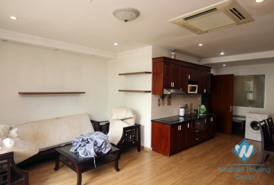 Nice and cheap 1 bedroom apartment for rent in Truc bach, Ha noi