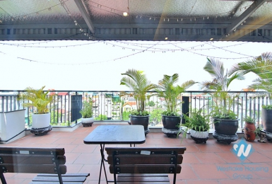 Beautiful top floor 1 bedroom apartment for rent in Trinh cong son, Tay ho, Hanoi