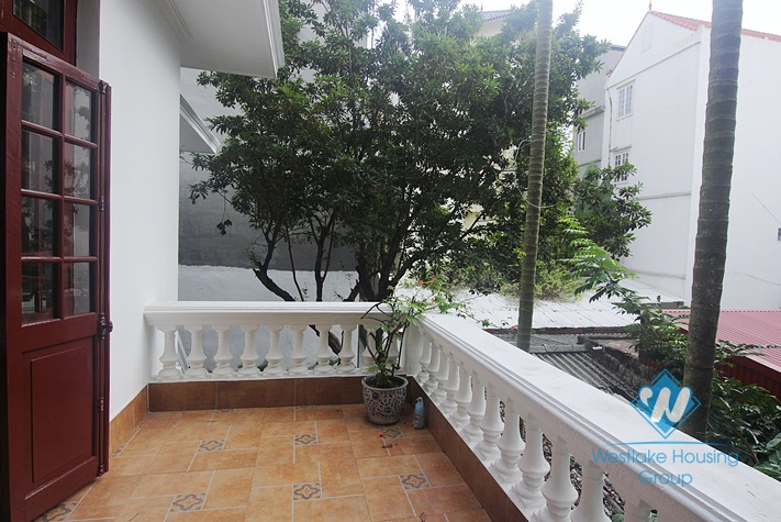 White house with courtyard for rent in Tay Ho district