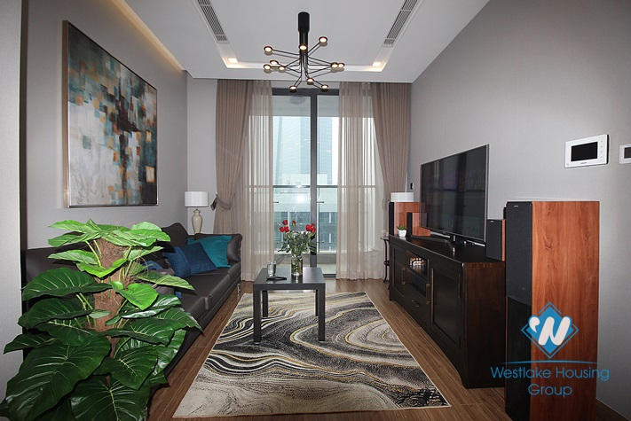 Nice and new one bedroom apartment for rent in Vinhome Metropolis