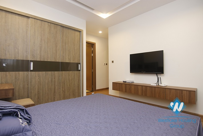 Quality 02 bedrooms apartment in Vinhome metropolis for rent