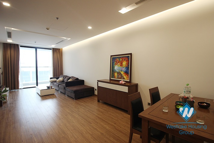 02 bedroom apartment on the high floor for rent in Vinhome Metropolis, Ba dinh District