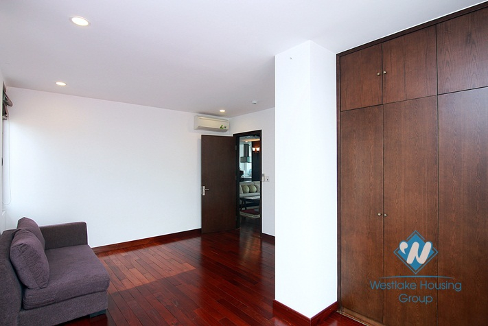 A luxury 4 bedroom apartment for rent in Dang Thai Mai, Tay Ho