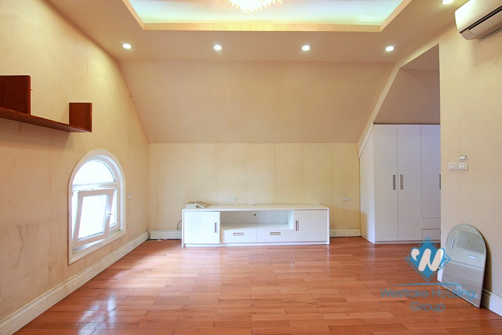 Unfurnished 6 bedrooms house for rent in Au Co st, Tay Ho area.