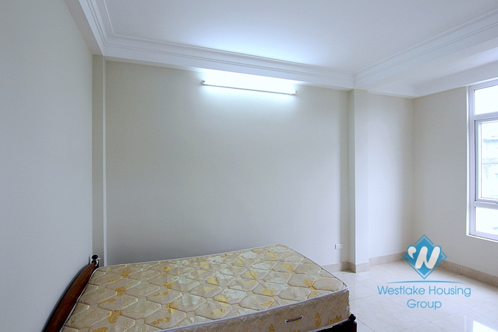 An affordable 4 bedroom house for rent in Au co, Tay ho