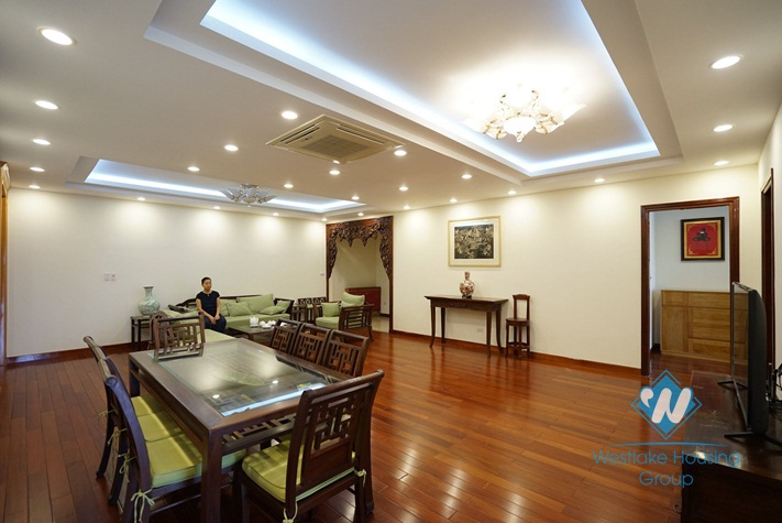 A spacious 3 bedroom apartment for rent in Ba Dinh District