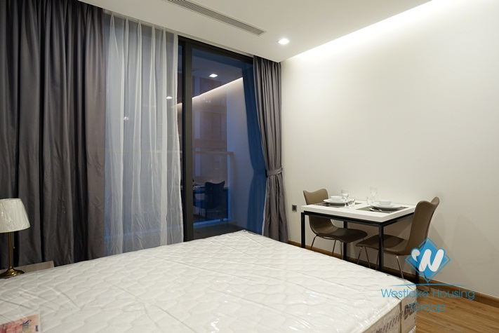 A brand new studio for rent in Vinhomes Metropolis, Ba Dinh