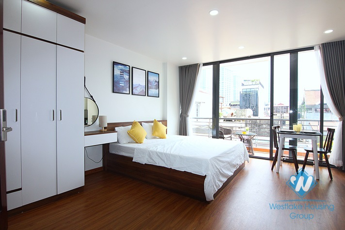 Bright studio with nice balcony for rent in Kim Ma street, Ba Dinh