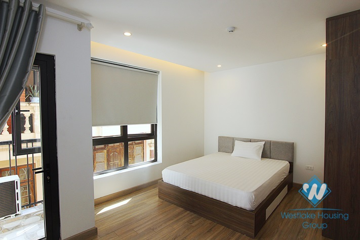 A newly 1 bedroom apartment for rent in Nhat Chieu street, Tay Ho