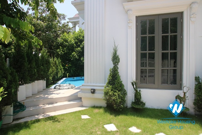 Executive luxury villa for rent in Vinhomes Riverside, Long Bien, Hanoi