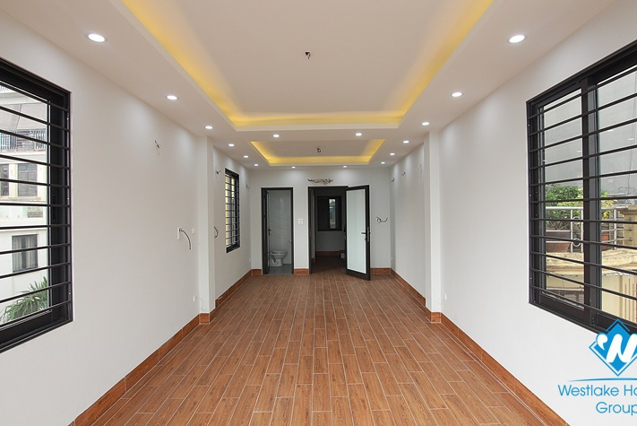 A brand-new 5-floor office for rent in the main road Au Co st, Tay Ho district