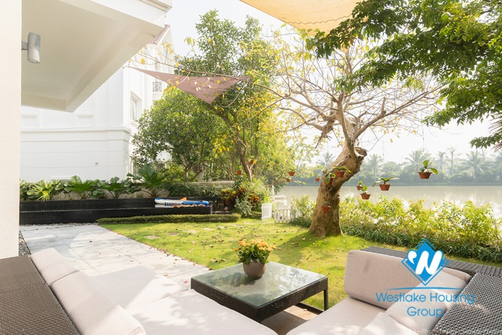 Spacious Garden and Pool Villa for rent in Vinhomes Riverside
