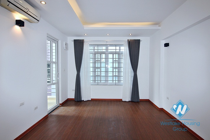 A brand new 8 bedroom house for rent in Au Co, Tay Ho, Ha Noi