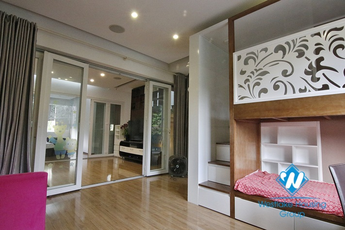 Fully furnished pool villa to rent in Vinhomes Riverside Hanoi