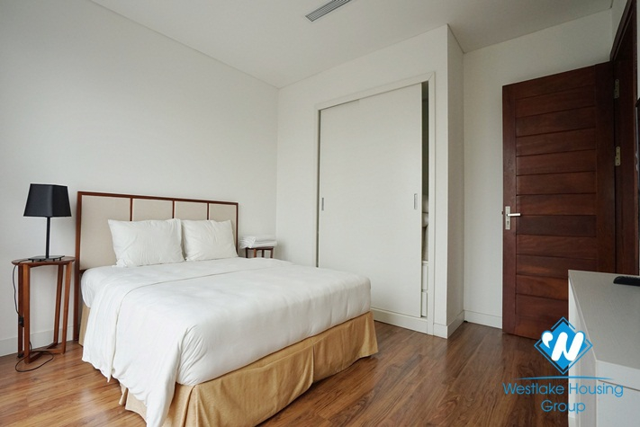 03 bedrooms apartment with lake view for rent in Dong Da  & Hai Ba Trung District, Ha Noi