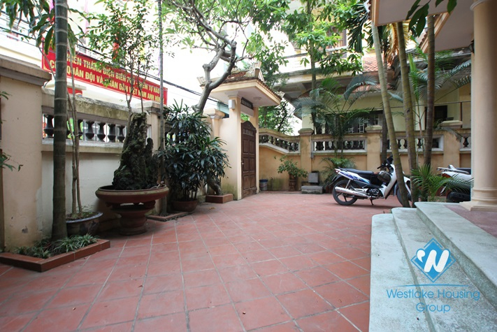 Charming house with big yard for lease in Nghi Tam Village,Tay Ho, Ha Noi