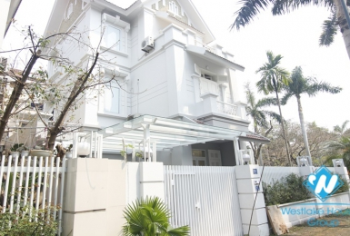 A massive 5 bedroom corner house in Ciputra T Block for rent