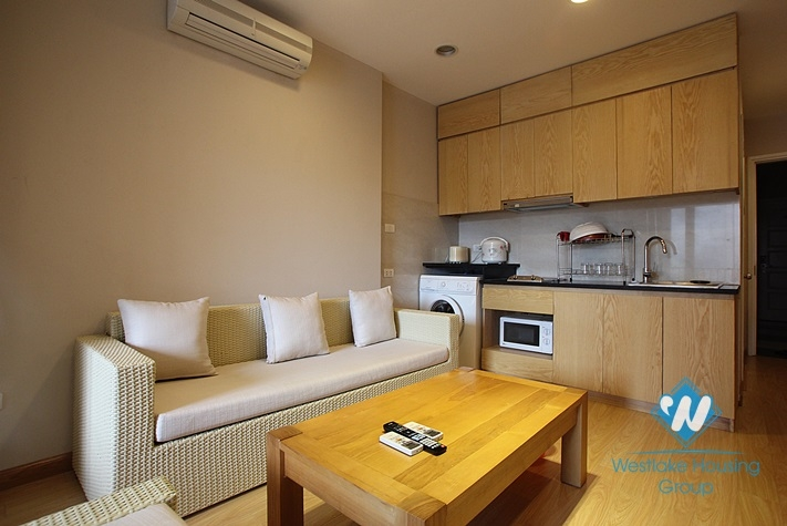 One bedroom apartment for rent in Dang Thai Mai street, Tay Ho, Hanoi