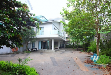 A gorgeous garden villa for rent in Tay ho, Ha noi
