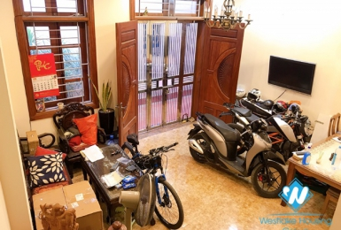 A cheap 3 bedroom house for rent in Hoang hoa tham, Ba dinh