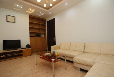 Lovely spacious 2-bedroom apartment for rent in Ba Dinh