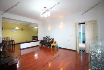 Lovely 3 bedroom apartment for rent in Truc Bach area, Ba Dinh district