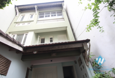 Unfurnished house for rent in Tay Ho district, Ha Noi