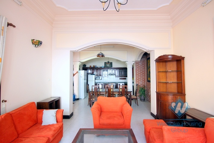 Four bedrooms house for rent in Tay Ho district, Ha Noi