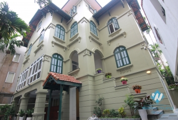 Gorgeous stand alone villa for rent with 250 sqm yard and garden, Tay Ho, Hanoi