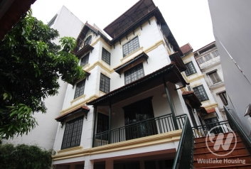Big and nice house for rent in Dang Thai Mai st, Tay Ho District