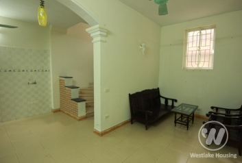 Cheap unfurnished 4 bedrooms for rent in Tayho area