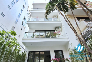 A recently remodeled minimalist house in Tay Ho Westlake for rent