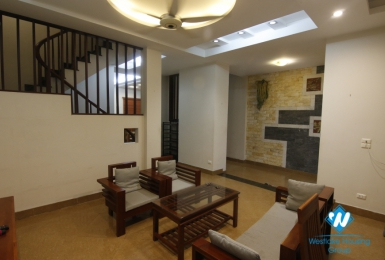 A cozy house with good lighting for rent on Dao Tan street