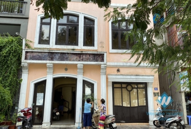 Nice house for restaurants, office for rent in Tay ho, Ha noi