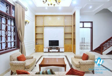Unfurnished house is available for rent in Tay Ho, Hanoi