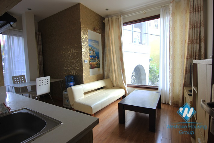 Apartment available for lease in Dang Thai Mai street, Tay Ho, Hanoi