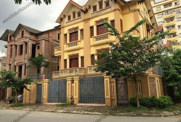 Beautiful villa for rent in Me Tri, Tu Liem, Hanoi