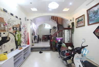 House for rent in Tay Ho with 05 bedrooms, 05 bathrooms.