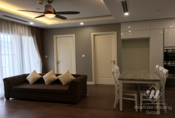 Three bedrooms apartmetn with 100sqm in Thanh Xuan, Hanoi