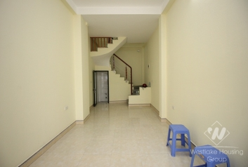 Unfurnished house for rent in Hai Ba Trung, Ha Noi