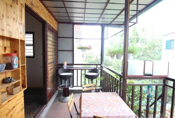 Tiny artisan's house with a balcony for rent in Tay Ho
