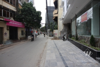 Office in main street with good location for rent in Tay Ho