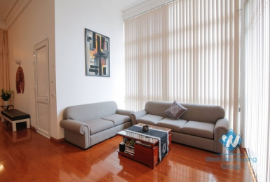 Modern, lake-view apartment for rent in Xuan Dieu street