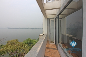 Lake view apartment on 4th floor for rent in Yen Phu island