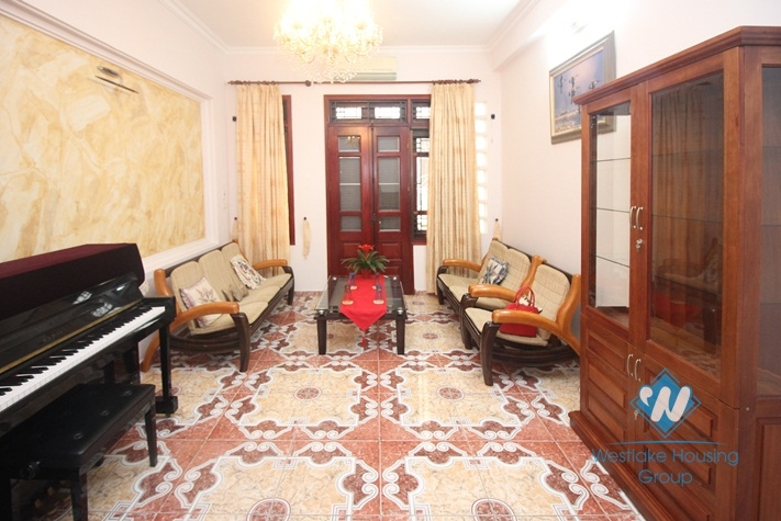 House for rent in Ba Dinh, Ha Noi with walking distance to Lottle center.
