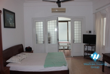 Apartment for rent in Truc Bach area, ba Dinh, Ha Noi
