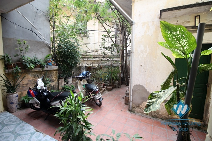 Vietnamese style house with 3 bedrooms for rent in Doi Can st, Ba Dinh district